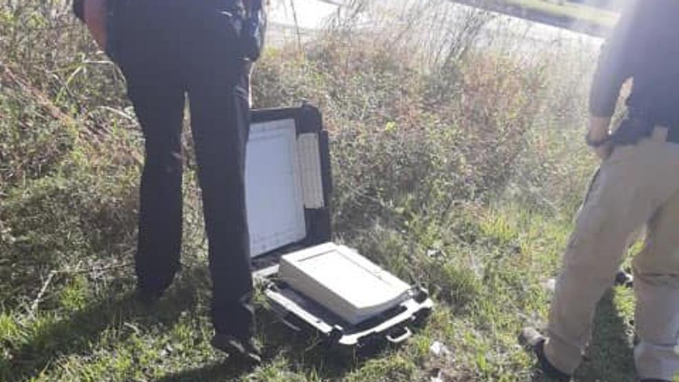 SEVERAL Voting Machines Found Dumped